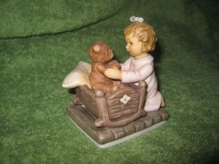 Berta Figurine NOW I LAY ME DOWN TO SLEEP Teddy Bear Girl Gobel Studio