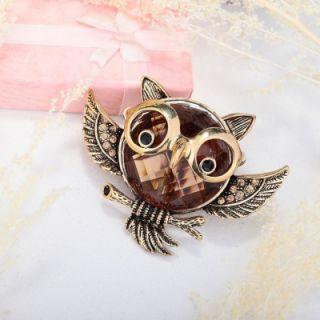 Vintage Gold Plated Glass Rhinestone Soaring Owl Stretch Ring Topaz