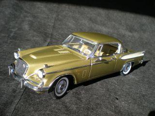 Motor City Classics Diecast 1957 Studebaker Golden Hawk, 118, VG Cond