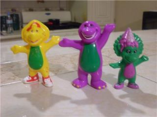 LOT/CAKE PVC FIGURE BARNEY, BJ AND BABY BOP WOW.