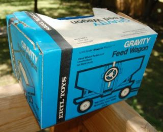 Vintage Ertl 1 16 Gravity Feed Wagon 827 Mint in Box Ford Tractor Blue