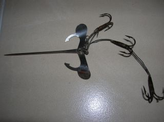 Antique Metal Minnow Frog Harness Hook Fishing Lure Spinner Spoon Bait