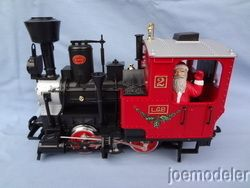 LGB 2020 Red Chrismas Sainz Locomoive w Sana Claus 2 on Cab w Box
