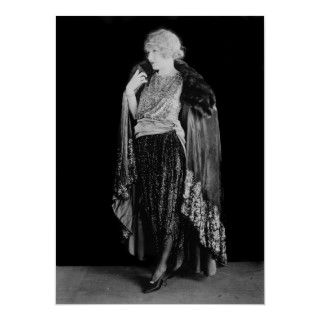 Beautiful film actress Alice Lake in 1920s flapper fashion and