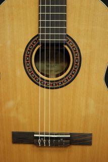 2012 La Patrie Concert High Gloss Classical Guitar w QIT