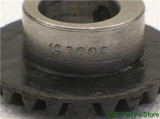 Singer Sewing Machine 600 Series Upper Horizontal Shaft Gear 163326