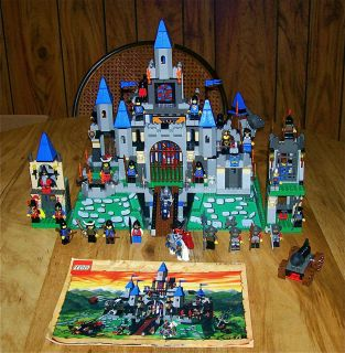 HUGE LEGO LOT KING LEOS CASTLE #6098/6091+28 CASTLE MINI FIGURES & 45