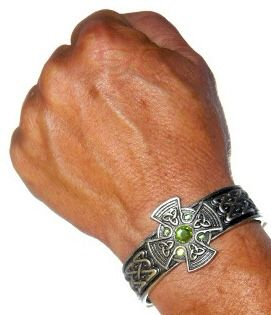 Celtic Irish Knot Iona Cross Shield Cuff Bracelet Green Lead Free