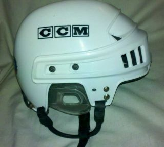 652 Hockey Helmet size 6 5 to 7 Good Condition Ice Street Skate Board