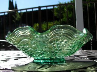 Imperial Grape Green Berry Bowl Radium Sheen 1920s
