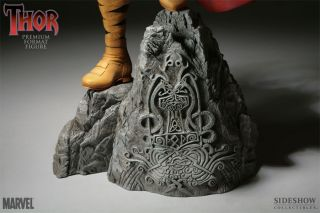 Sideshow Collectibles Thor Premium Format Figure Exclusive Edition