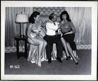 VINTAGE IRVING KLAW BETTY BETTIE PAGE IRVING KLAW ROZ GREENWOOD