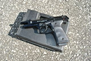 Jackal Automatic Beretta 92F Magnum Replica Movie Prop Gun With Case