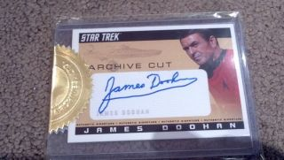STAR TREK TOS 2 SCOTTY James Doohan AUTOGRAPH MULTI CASE TRADING CARD