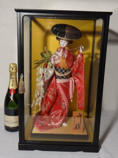Large Collectible Cased Japanese Geisha Hina Doll Full Dress in Glass