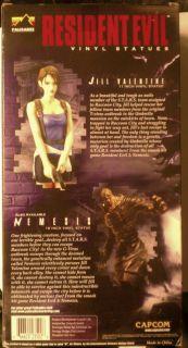 Jill Valentine Resident Evil 11 inch Vinyl Statue New N I B