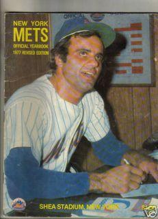 1977 New York Mets Yearbook Cover Joe Torre