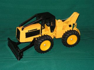 John Deere Toy Log Skidder Ertl Stock No 590 1 16 Scale L00K