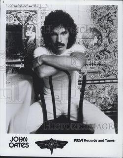 1997 Press Phoo Musician John Oaes on RCA Music |