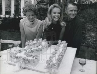 1967 Press Photo Hayley Mills Actress Mary Bell Mother John Mills Actor Birthday