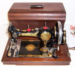 1919 Jones FCS Hand Crank Sewing Machine Queen Alexandra