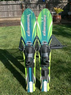 OBRIEN JUNIOR AMIGO TRAINING COMBO WATER SKIS WITH TRAINING BAR GREAT