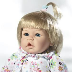 Lee Middleton Little Katherine Blonde Baby Vinyl Cloth Doll New in Box