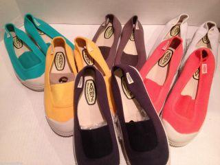 New Womens Keen US 7 EU 37 5 Ugore Santiago Canvas Slip on Sneaker