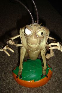 BUGS LIFE ~TALKING & POSEABLE FIGURE GRASSHOPPER Kevin Spacey Voice
