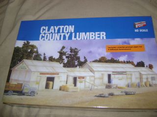 Clayton Country Lumber Building Kit by Walthers