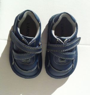 LAMOUR AND ANGEL Baby Toddler Navy Blue Leather Zigzag Strap Shoes