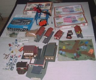 BIG Lot HO Train Buildings Giant Crane Accessory to Super Detail Train