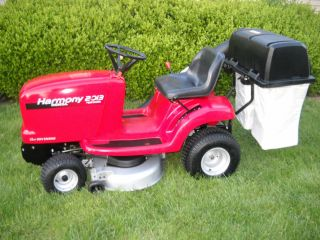 Honda 2013 Lawn Tractor Auto Hydro 38 Riding Nower with Bagger and