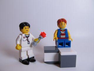 Lego Dentist Minifigure W Boy Patient Cool Dental Chair Laser Curing