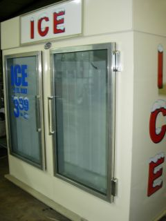 Leer Indoor Ice Merchandiser Freezer
