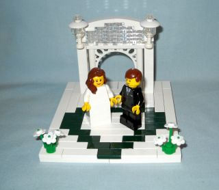 Lego Wedding Arch Cake Topper with Dark Green Heart Brown Hair Bride