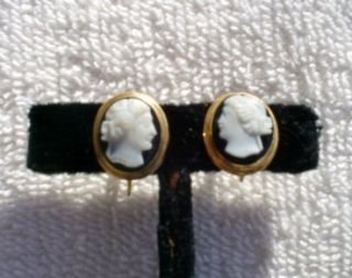 Vintage Estate BDA 10K Yellow Gold Cameo Screw Back Earrings