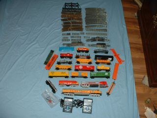 Lot HO Scale Train Set Tyco Bachmann Other  Engines, Cars, Tracks
