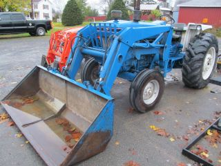 5610 Ford 2WD with Loader Runs Good Used Tractor 72 HP Power Steering