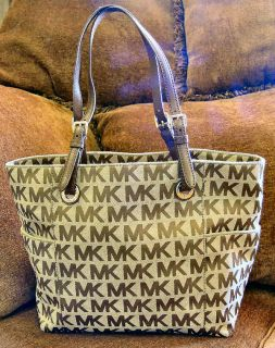 GREAT SIZE Michael Kors E W Jet Set Signature Tote Style 30S11TTT4J 19