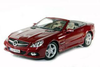 Maisto Mercedes Benz SL550 Class Convertible 1 18 Red