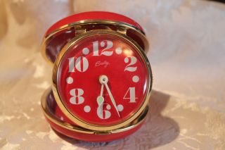 RED CLAM SHELL BRADLEY LARGE NUMBERS MECHANICAL TRAVEL ALARM CLOCK