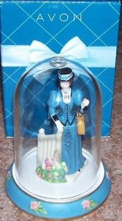 AVON PRESIDENTS CLUB AWARD FIGURINE MRS ALBEE 2009