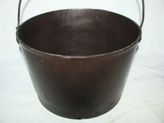 ANTIQUE CAST IRON H 8 2 GAL FOOTED KETTLE COWBOY CAMP FIRE BEAN POT