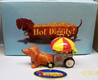 DACHSUND DOG PULLING HOT DOG WEINER CART SALT & PEPPER SHAKERS WG F