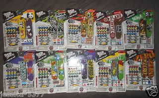 Tech Deck Mini sk8 Shop lot of 20 DKS,enjoi,PLAN B,Zero,Blind,S anta