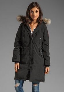 canada goose jacket in Womens Clothing