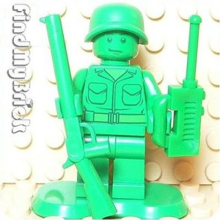 M733 Lego Toy Story Green Army Men Minifigure with Radio & Rifle Gun