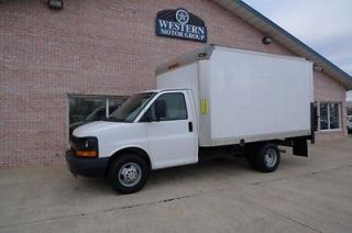 Chevrolet  Express 12FT Lift Gate DELIVERY AVAILABLE   2009 12FT Box