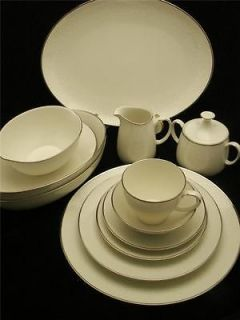 Noritake LORELEI 51 Piece Fine China Dinnerware Set Service for 8 w